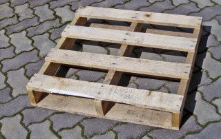 Pallets su misura e/o in plastica Pallets su misura per ogni tipo di portata e misura, in legno o plastica